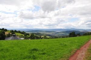 Z Góry św. Anny podziwiamy Góry Stołowe