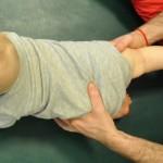 Ćwiczenie równowagi na trzech kończynach...