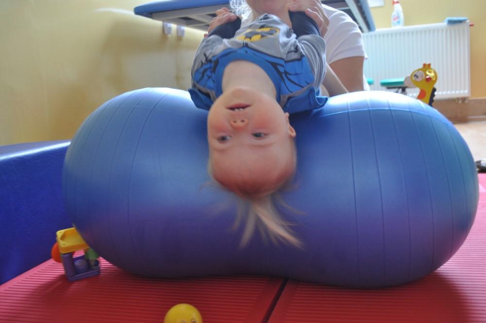 Rehabilitacja Staszek-Fistaszek zespół Downa 18 miesięcy 1,5 roku