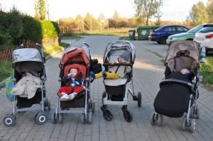A na koniec, tradycyjnie spacerek - Mati, ja, Jasiek i Adaś