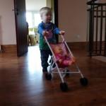 Największą atrakcją jest wózek z lalą!