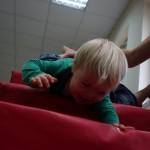 Alternatywny sposób pokonywania schodów ;)