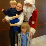 ...i zupełnie niechciane przeze mnie zdjęcie z Mikołajem.
